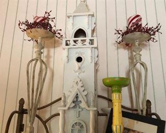 many decorative farmhouse pieces
