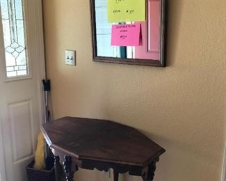 Front Hallway:  Mirror, Table