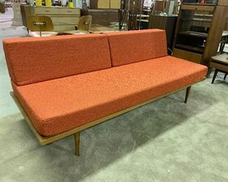 Another Yugoslavia Day Bed