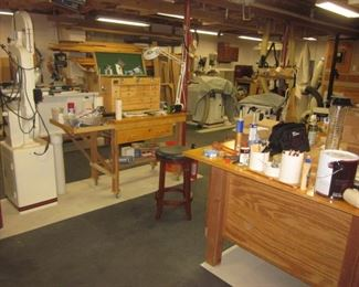 UNBELIEVABLE  SPOTLESS WOODWORKING SHOP MAN CAVE