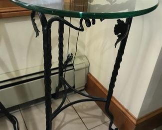 Other matching accent table