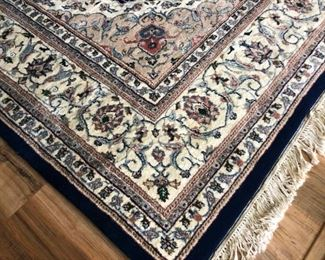 Beautiful floor rug.  approx. 8' x 11'