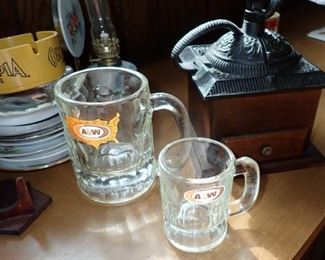 A& W GLASSES / COFFEE GRINDER