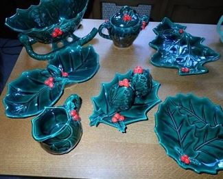 LEFTON ASSORTED CHRISTMAS SERVING PIECES