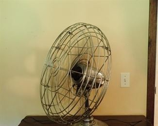 "FRESN'ND-AIRE MODEL 20/ FAN - 26"" HI & 20"" ROUND / WORKS GREAT - SUPER FAN"