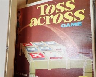 LOTS OF VINTAGE GAMES -- TOSS ACROSS GAME
