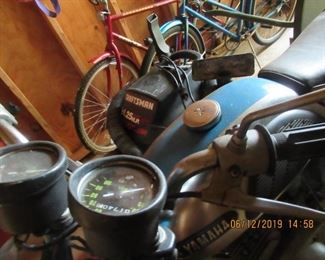 1966 YAMAHA 100 YL-1    HAS PARALLEL TWIN CYLINDERS AND DUAL CARBURETORS, DATED 1966/ OWNER BOUGHT IN 1970 AND HAS OWNED SINCE