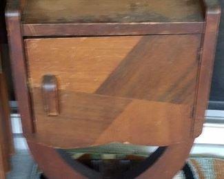 Vintage tobacco-cigar humidor