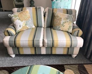 AWESOME LOVE SEAT WITH MATCHING OTTOMAN LIKE NEW CONDITION