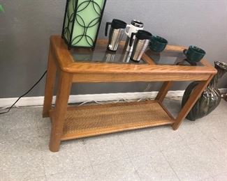 CONSOLE TABLE. COOL LAMP