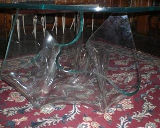 Laurel Fyfe Aurora glass dinning table