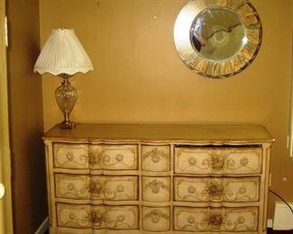 bdrm dresser