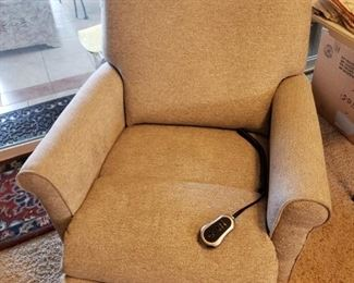 New LazyBoy Electric Recliner- 4 months old