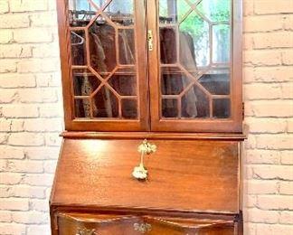 Small  Quality mahogany Governor Winthrop style secretary Antique