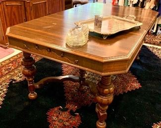 Antique dining table  Would be great also painted  Exceptional wool large rug Perfect condition
