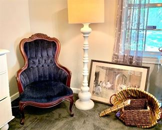 Antique tufted navy velvet chair in perfect condition