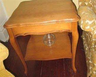MID-CENTURY LAMP TABLE