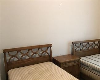 Drexel Two Twin Beds