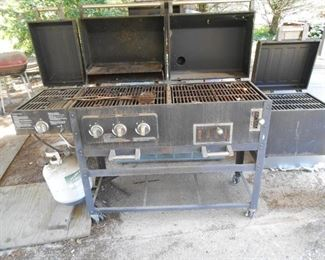 grill on left end....smoker on right end...