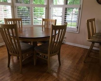 Canadel Kitchen Table with 4 Chairs