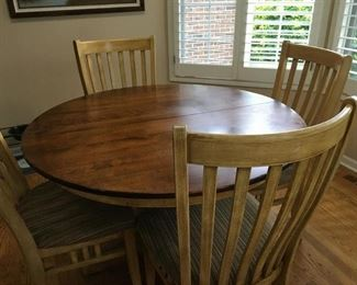 Canadel Kitchen Table and 4 Chairs