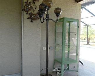 Outdoor floor lamp