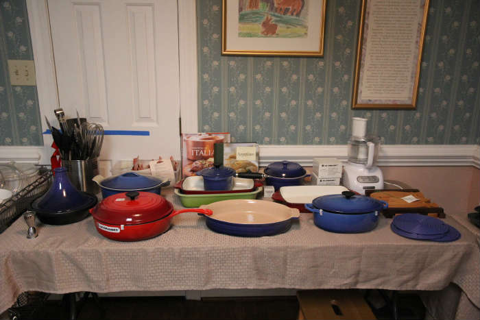 Good selection of Le Creuset pans, most never used.