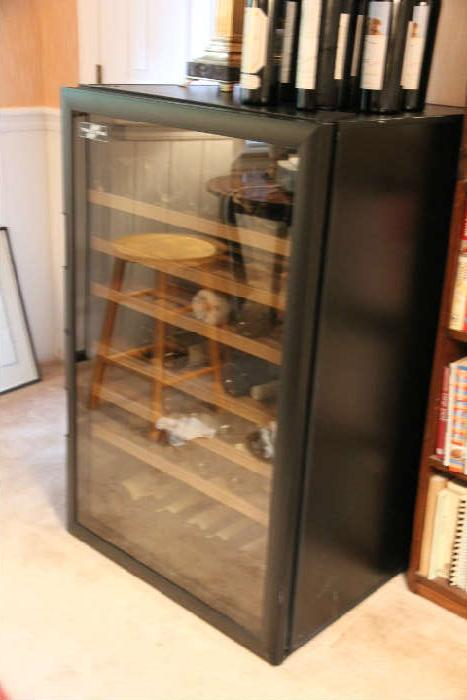 High-end Transtherm wine keeper w/glass door