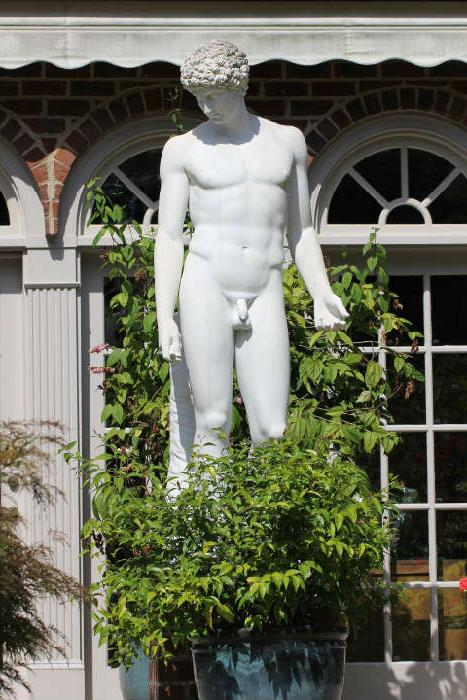 Impressive custom marble statue - a replica of the Capitoline Antinous in Rome.  This item was custom made for the owner, ordered from the shop of the sculptor Raffaello Romanelli (Florence, Italy) in 1989.