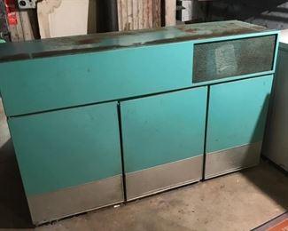 Vintage GE Refrigerator/Freezer   https://ctbids.com/#!/description/share/178831