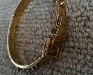 tbs Michael Kors buckle bracelet