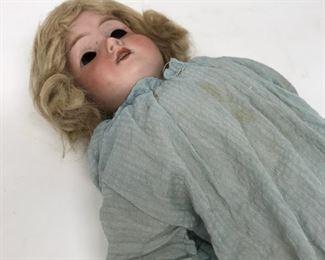 Armond Meiselle Doll      https://ctbids.com/#!/description/share/178992
