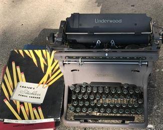 Underwood Typewriter https://ctbids.com/#!/description/share/178983