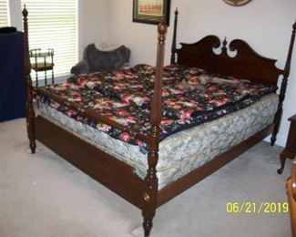 Ethan Allen Full Size Four Posster Mahogany Bed
