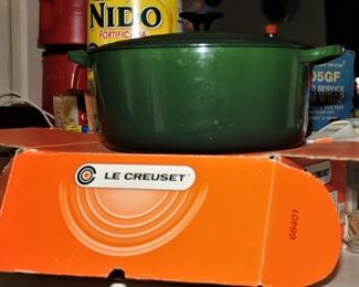 NEW IN BOX LE CREUSET POT