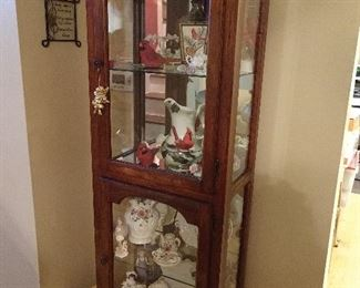 LIGHTED WOOD / GLASS DISPLAY CASE / CABINET