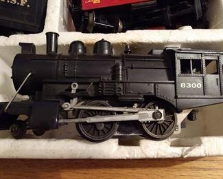 LIONEL TRAIN SET 8300