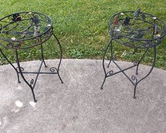 CLASSY IRON OUTDOOR TABLES