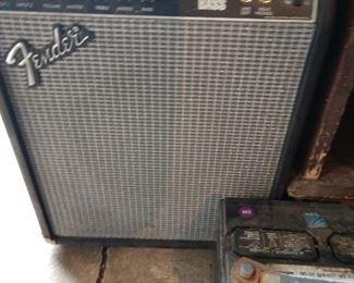 FENDER AMP/BASS