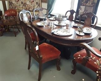 Early 1900s dinette set.... it's a STUNNER!