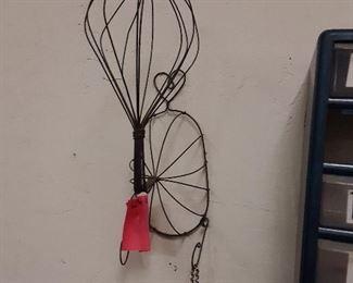 Cool vintage wire hat holder