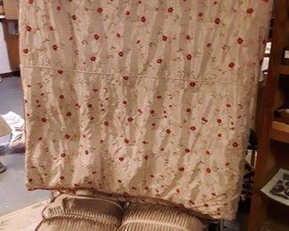 Luxurious king size bedding set