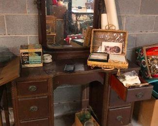 Dorien Gray vanity in the basement. It's been under a blanket until yesterday