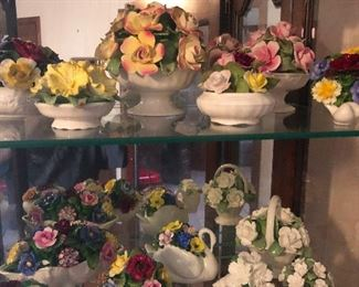 lookit all these porcelain flowers!