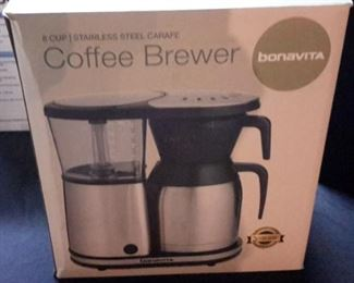 Bonavita 8 cup coffee brewer, in box.