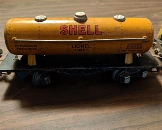 Another part of antique LIONEL set. Additional details will follow