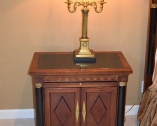 Stanley Nightstands (Pair) Beautiful Wood With Black Accent. Great Condition
