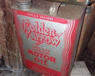 Golden Arrow Motor Oil Can
