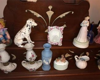 3. Collection Vintage Figurines, Lamps, Statues