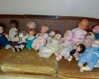 8. Collection Vintage Childrens Dolls